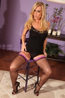 amber-lynn-in-sexy-black-stockings-and-high-heels